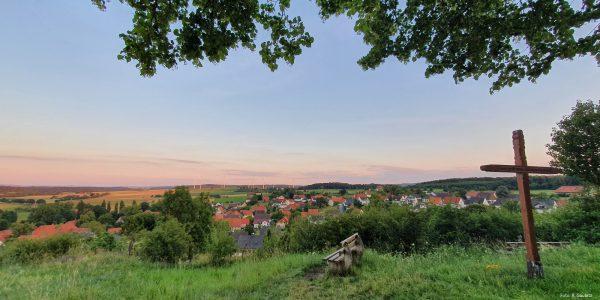 Blick vom Himmelsberg auf Altenheerse