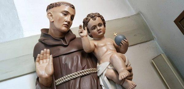 Statue des heiligen Antonius von Padua - Gedenktag ist der 13. Juni